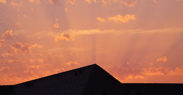10 Warning Signs That Your Roof Is Failing